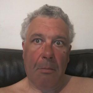 Homme poivre et sel sexy de54ans àSaint-Maur-des-Fossés